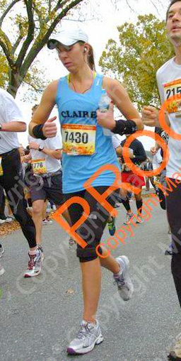 proof that I actually did run the MCM ;-) See how I look tired here at mile 3...